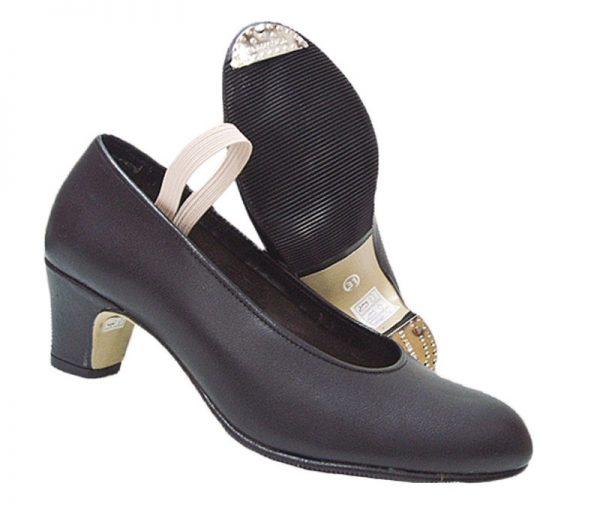 Zapatos de gitana con chapa en punta y tacón mod.16