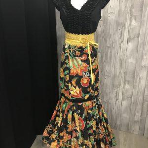 Camisa flamenca negra sin manga con bonito detalle de garrucha en su pecho espalda redonda y escote en pico y mangas ranglán
