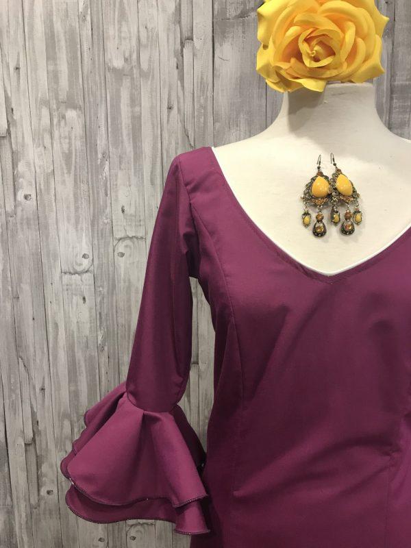 Traje de flamenca volantes confeccionado en tejido popelin en colores con siete volantes en su falda %%sep%% Trajes de flamenca baratos