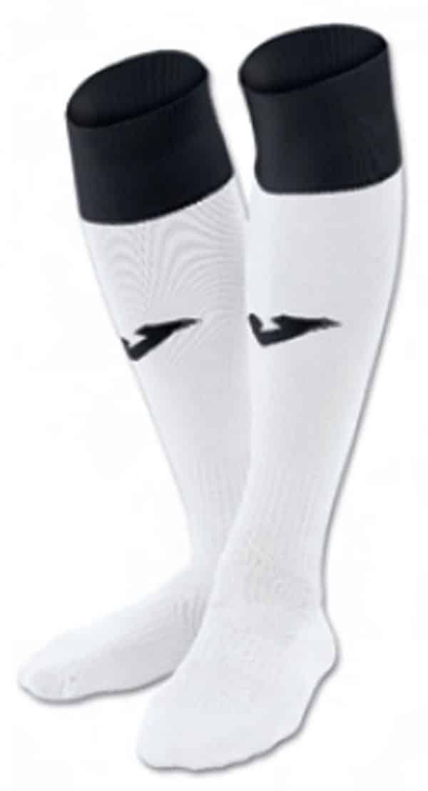 Calcetas de fútbol fabricada en poliamida anti bacterias con costuras invisibles para evitar rozaduras, ajustada en el tobillo con elástico