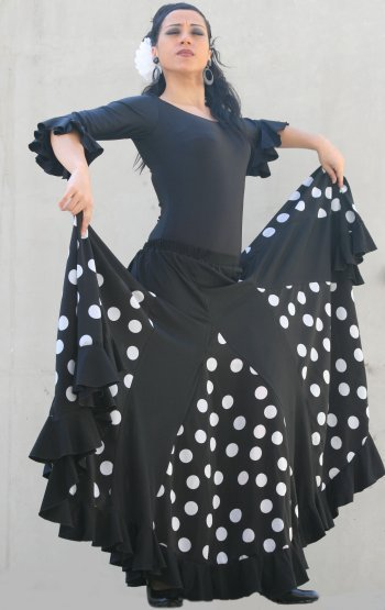 Falda de flamenca con volante y godets a lunares.