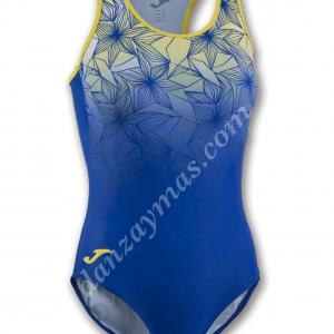 Bañador de natación para mujer marca Joma en licra con escote alto y espalda nadador para mayor confort en tus entrenamientos.