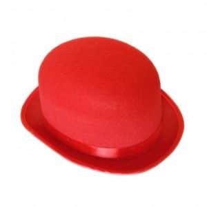 Sombrero de bombin en rojo con cinta de raso.