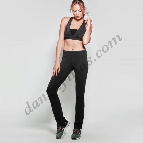 Malla pantalon deportivo con pata recta modelo Box.