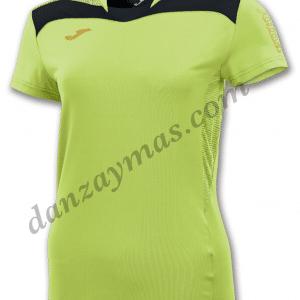 Camisetas deportivas para mujer Joma 900003 en tejido técnico para una mayor transpiración que te separa el sudor de tu piel para un mayor confort.