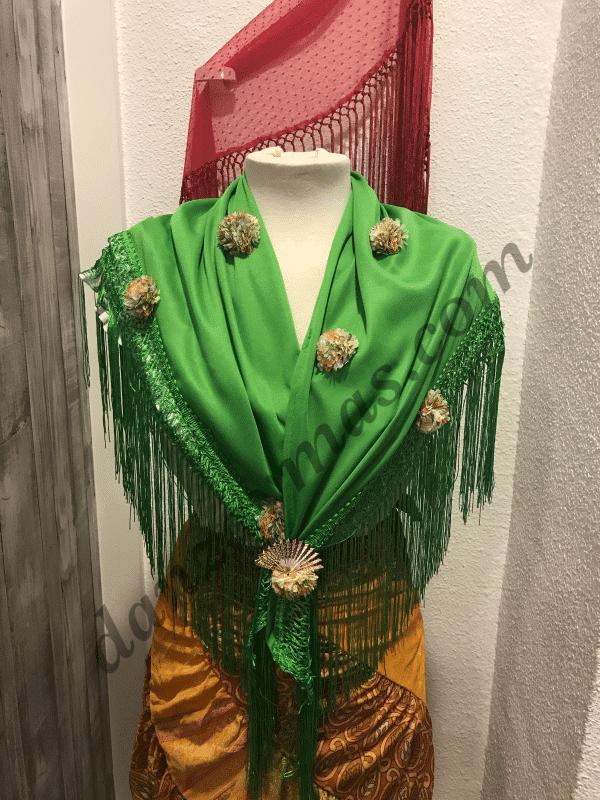 Mantoncillo de flamenca verde con flores