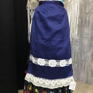 Delantal de huertana azulón con puntillas blancas con forma de flor Precioso!!!!!