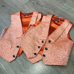 Chaleco de huertano naranja brocado con bolsillos delanteros y forrado interiormente