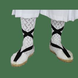 Esparteña huertano de tela blanca con suela de esparto y goma en la suela