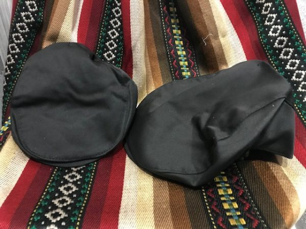 Gorra viejo negra con goma adaptable de varias tallas para la indumentaria huertana