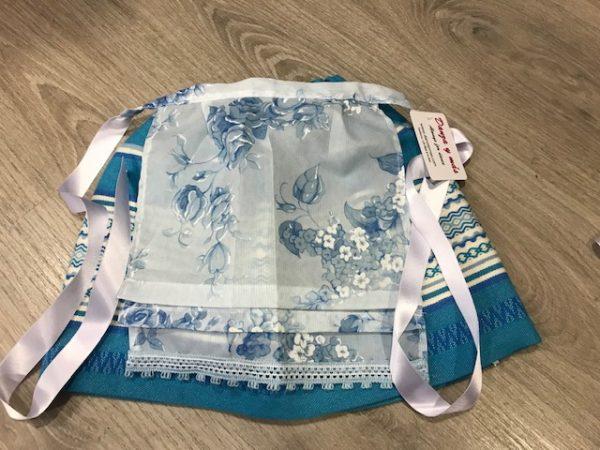 Delantal huertana azul niña o bebe confeccionado por danzaymas.com una modelo esclusivo que podrás lucir el día del Bando de la Huerta