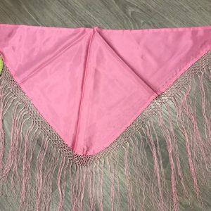 Pico huertana en rosa de niña con flecos cosidos a mano, muy usado también por flamencas a modo de mantoncillo