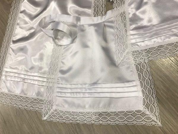 Delantal de huertana raso blanco confeccionado por justa trajes regionales con puntillas del mismo color