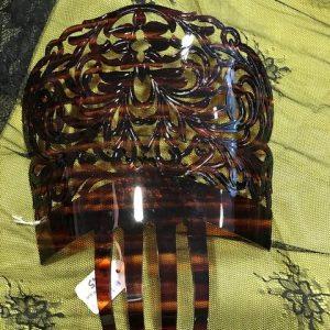 Teja para manola de tamaño mediano en color concha plastificada