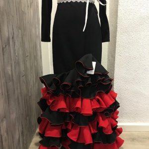 Falda flamenca roja y negra con cinturilla alta y volantes combinados