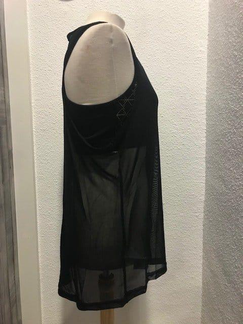 Camiseta gasa elástica de la marca Joma con top interior para mayor comodidad es un tejido muy transpirable