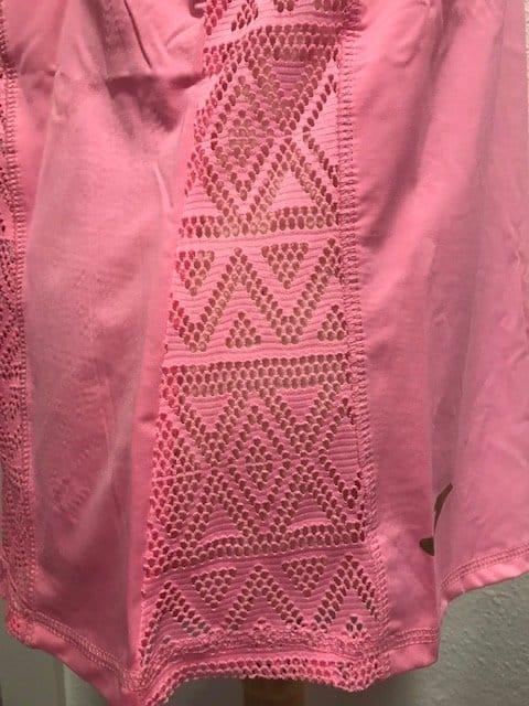 Camiseta rosa chicle nadador con perforaciones para baile o deporte