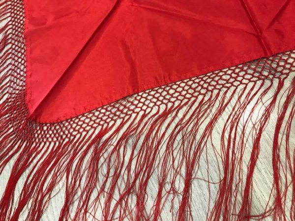Pico huertana rojo para niña con flecos largos cosidos a mano