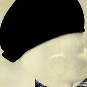 Montera huertano en tercipelo negro con forro de raso para la indumentaria huertana