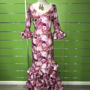 Traje flamenco flores de la talla 46 con un estampado precioso que no podrás dejar de mirar