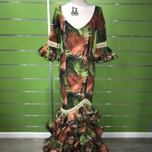 Traje de flamenca hojas talla 42 en tonos verdes y marrones con puntillas de bolillo