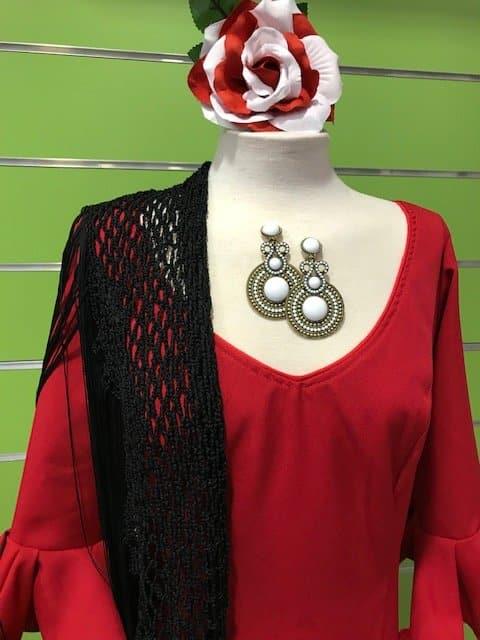 Traje de gitana rojo de la talla 48, un clásico en color pero con una tela caida y movida que realzará tu figura