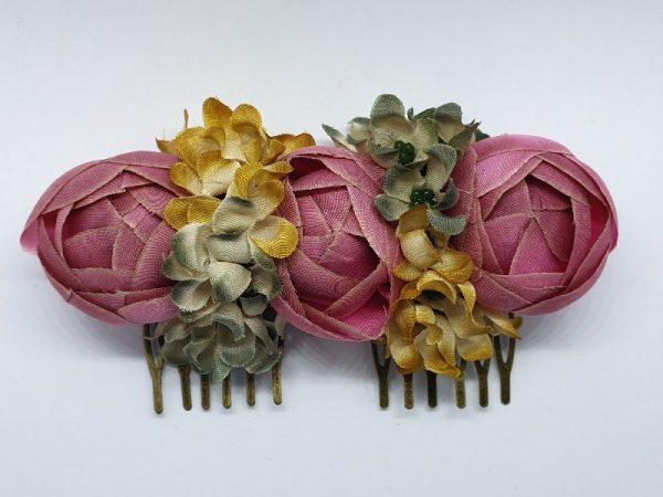 Peinecillo flamenco con flores de colores suaves para adornar tu pelo flamenco