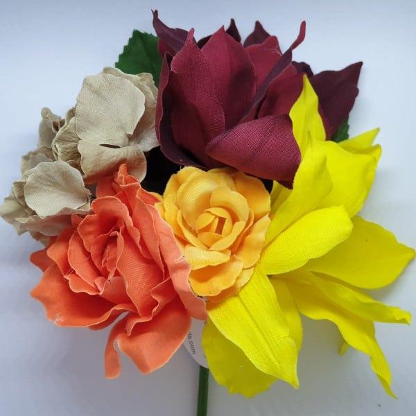 Ramillete de flores para flamenca 251