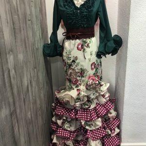 Falda flamenca con flores y volantes combinados en lunar espectacular!!!!