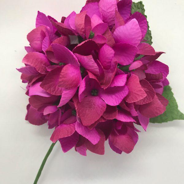 Hortensia flamenca de color, grande para lucir en los eventos flamencos
