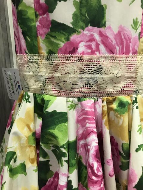 Falda flamenca canastera de cintura alta en popelin estampado en flores