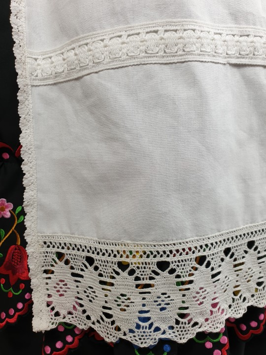 Delantal de huertana adulta entre dos en color blanco