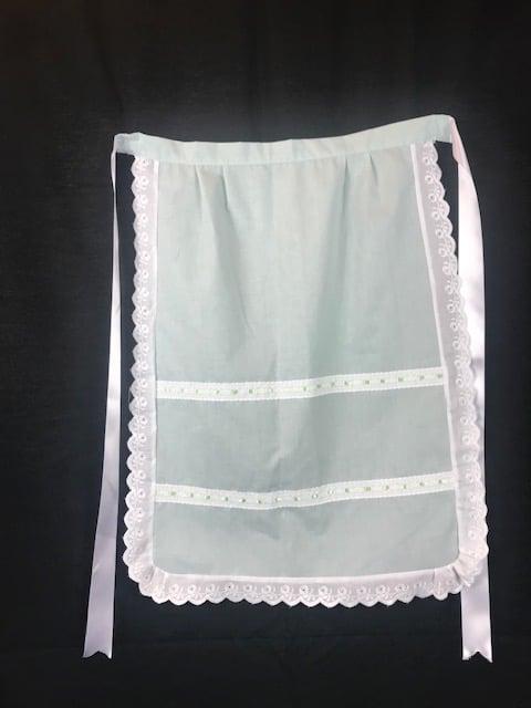 Delantal de huertana verde con puntillas blancas