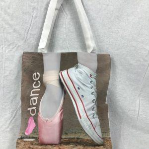 Bolso para ballet con imagenes de puntas de ballet y zapatillas deportivas