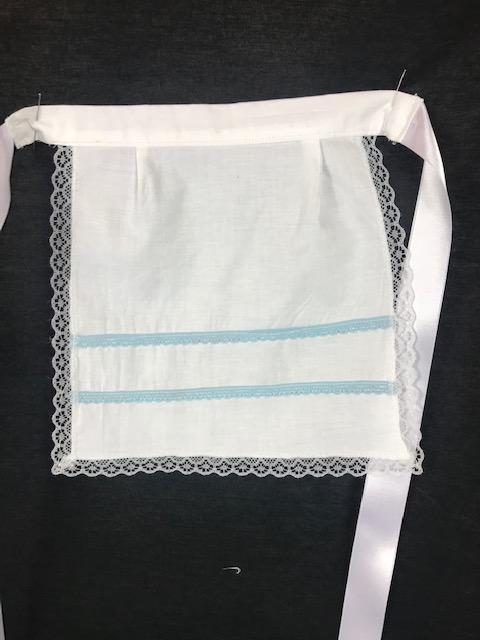Delantal para bebe huertana en color blanco y azul