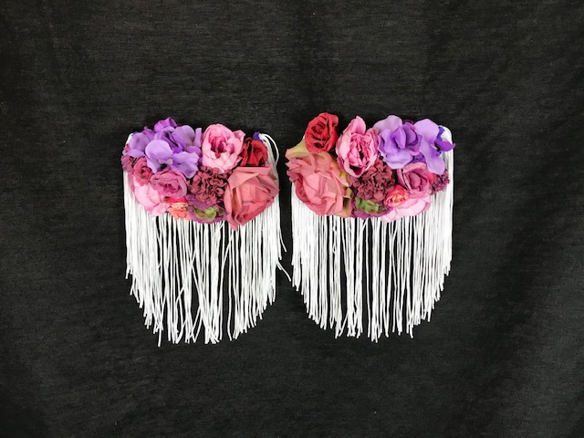 Hombreras flamencas grandes con flores para colocar en tu traje de flamenca