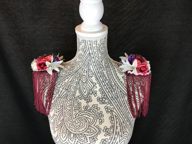 Hombreras flamencas con flores 129