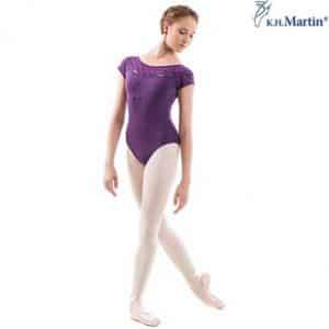 Maillot ballet morado de manga corta y transparencias en su escote