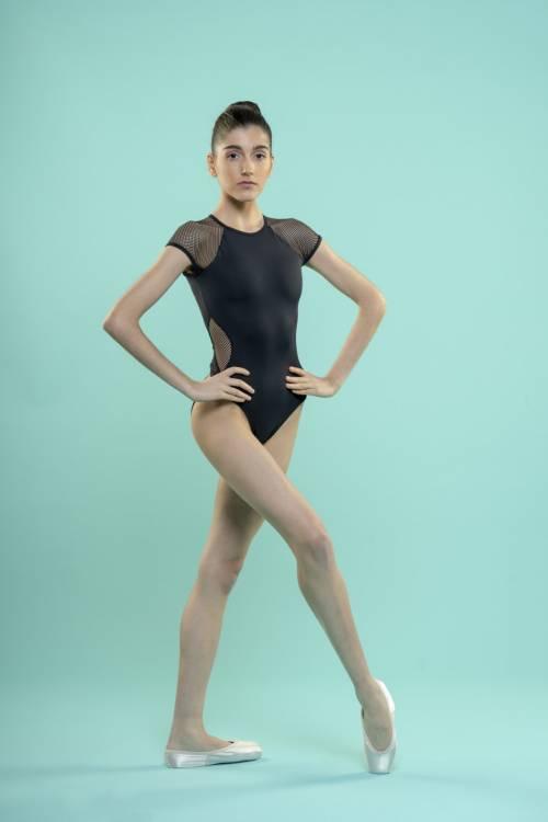 Maillot de baile negro con rejilla en mangas y costados