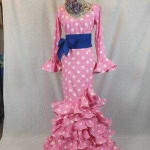 Traje flamenco rosa chicle con lunares blancos