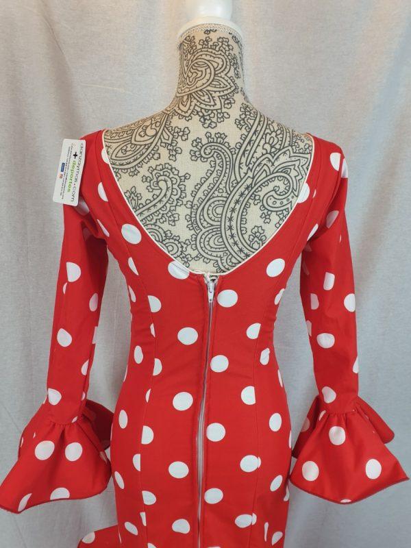 Traje de flamenca rojo con lunares blancos