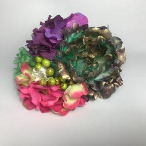 Ramillete de flamenca con bolitas y flores de colores para tu pelo