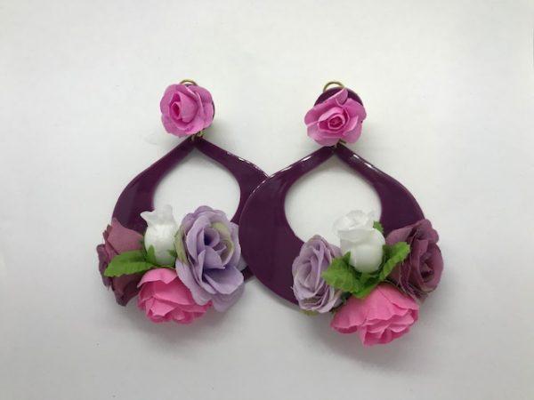 Pendientes para flamenca con florecillas haciendo juego
