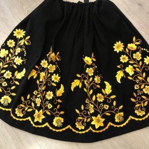 Refajo bordado señora amarillo y negro con flores preciosas