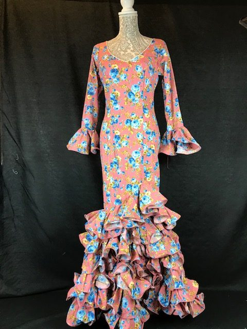 Traje flamenco rosa con flores de colores para señora