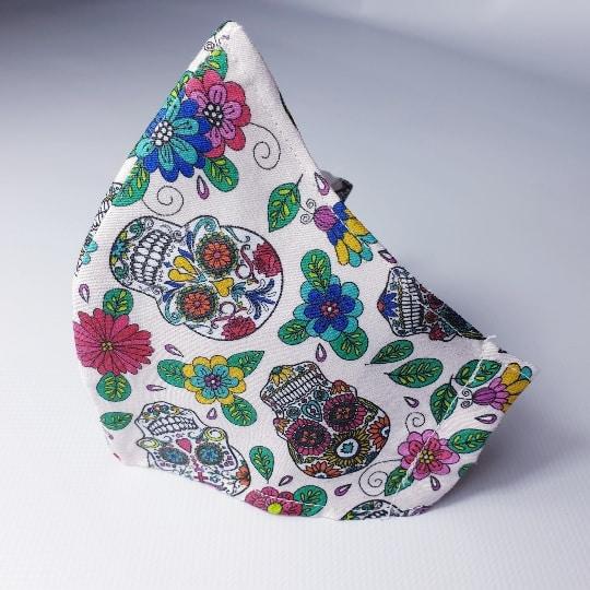 Mascarillas lavables Catrinas con flores y filtro desechable incluido