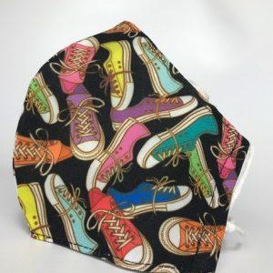 Mascarilla de tela zapatillas con forro para colocar filtro incluido