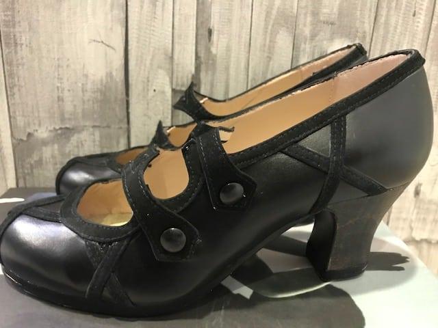 Zapatos Begoña Cervera stock 939