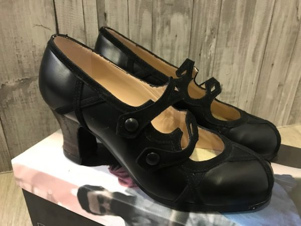 Zapatos Begoña Cervera stock