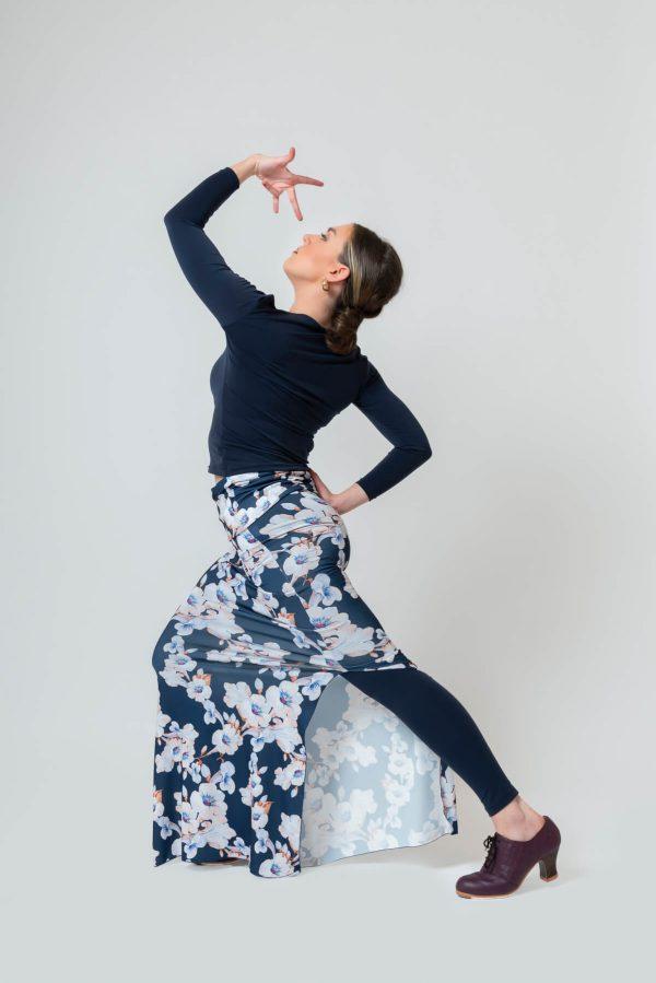 Falda larga con aberturas para ensayo flamenco